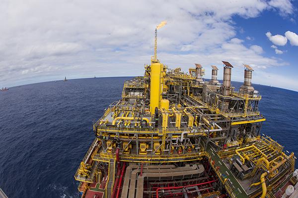 Resultado de imagem para Petrobras leva lotes de petróleo de Mero e Sapinhoá em leilão na B3